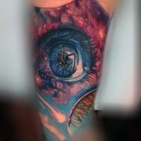stilizzato realistico colorato occhio tatuaggio su braccio
