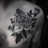Tatuaje en el pecho,  arbusto negro blanco con flores
