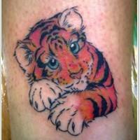 carino piccolo bimbo tigre cartone animato colorato tatuaggio su gamba
