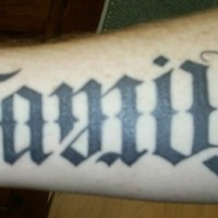 Ambigram Text an der Hand