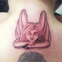Pensieroso angelo tatuato