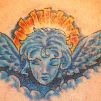 Tatuaggio angelo azzurro sul fondo di sole