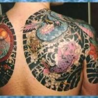 Le tatouage en style yakuza avec le carpe coï