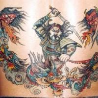 Grande tatuaggio opera d'arte samurai con catana