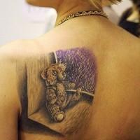 orsacchiotto sulla finestra solitudine tatuaggio