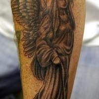 Le tatouage mémorial d'ange en noir