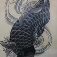Le tatouage de koї en noir et blanc
