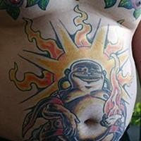 buddha chiatto con pancia sole sulla pancia tatuaggio