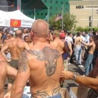Le tatouage de taureau tribal sur le dos