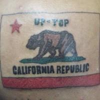 bandiera california colorato tatuaggio