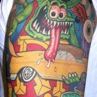topo agressivo con macchina gialla tatuaggio
