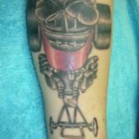 corsa di dragsters superiore dell'automobile tatuaggio