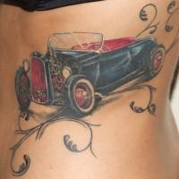 oldie times macchina con trafori colorato tatuaggio