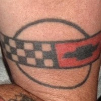 minimalistico chevrolet logo tatuaggio