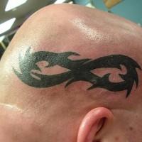 simbolo di infinita' sulla testa tatuaggio