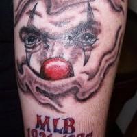 pagliaccio guarda memoreale tatuaggio