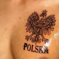polonia stemma sul petto tatuaggio