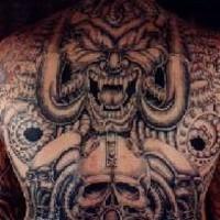 demone biomeccanico pieno di schiena tatuaggio