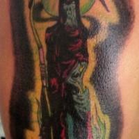 Le tatouage coloré de la Faucheuse en lune verte