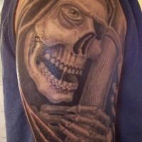 triste mititore sorridente tatuaggio sul braccio