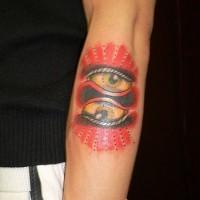 Tatuaje a color de dos ojos simétricos