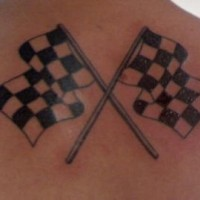 bandiere bianco nero a scacchi da corsa tatuaggio