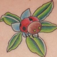 Cartoonischer Marienkäfer an blauer Blume