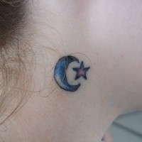 Small blue star and crescent on neck