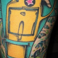 Tatuaggio colorato in stile futuristico tatuato sulla gamba
