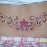 La stella e le stelline tatuate sulla lombo