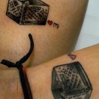 scatola amicizia corrispondenza tatuaggio