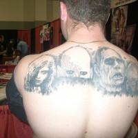 Le teste di malvagi tatuaggio sulla schiena