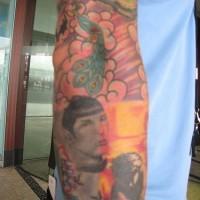 Star trek soggetto tatuaggio sul bracсio