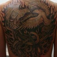 Fenice e uccello di fuoco bataglia tatuaggio sulla schiena piena