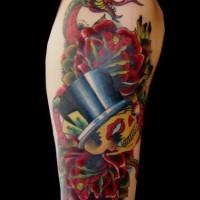 Schlange mit Totenkopf und Rosen Tattoo