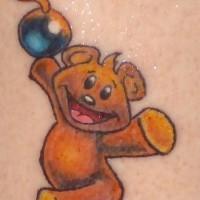 orsacchiotto con bomba artificiale tatuaggio colorato