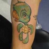 Tatuaggio carino sulla gamba la tartaruga dai certoni animati