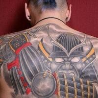 Tatuaggio impressionante sulla schiena grande guerriero senza gli occhi