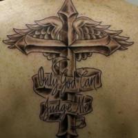 croce memoreale alato su parte superiore della schiena tatuaggio