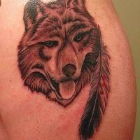 Plume et le tatouage de loup drôle