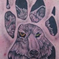 Tatuaggio colorato sulla spalla la traccia del lupo & la faccia del lupo