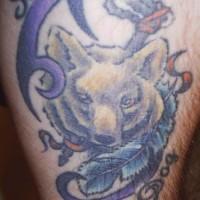 Inscription avec le tatouage de loup et une plume bleu