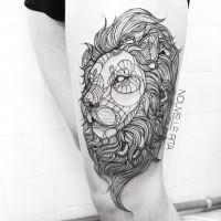 stile tribale nero e bianco unico colore tigre tatuaggio su coscia
