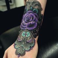 molto bello colorato grande fiore modellato tatuaggio su polso