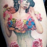 molto realistico bella donna messicana con fiori tatuaggio su coscia