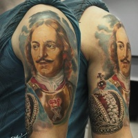 Vintage picture style colored shoulder tattoo of famous king with crown