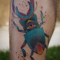 vivace colore cervo colante con occhio tatuaggio sulla gamba