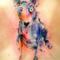 Tatuaggio carino sulla schiena il cane colorato