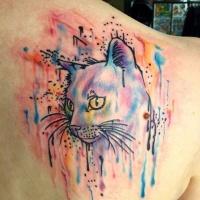 Tatouage aquarelle sur le haut du dos avec le chat pour les femmes