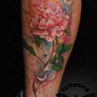 Tatuaggio incantevole sulla gamba la peonia colorata